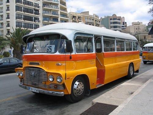 autobus-en-Malta